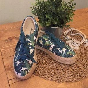 Palm print sneakers- Brand New